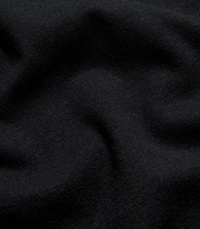 YE2-1700 Black